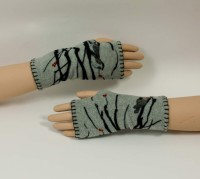 "Fingerless Mittens ""Handwarmers"" (2 Colors)"