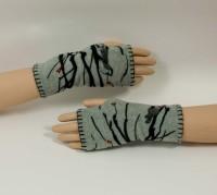 "Fingerless Mittens ""Handwarmers"" (2 Colors)"